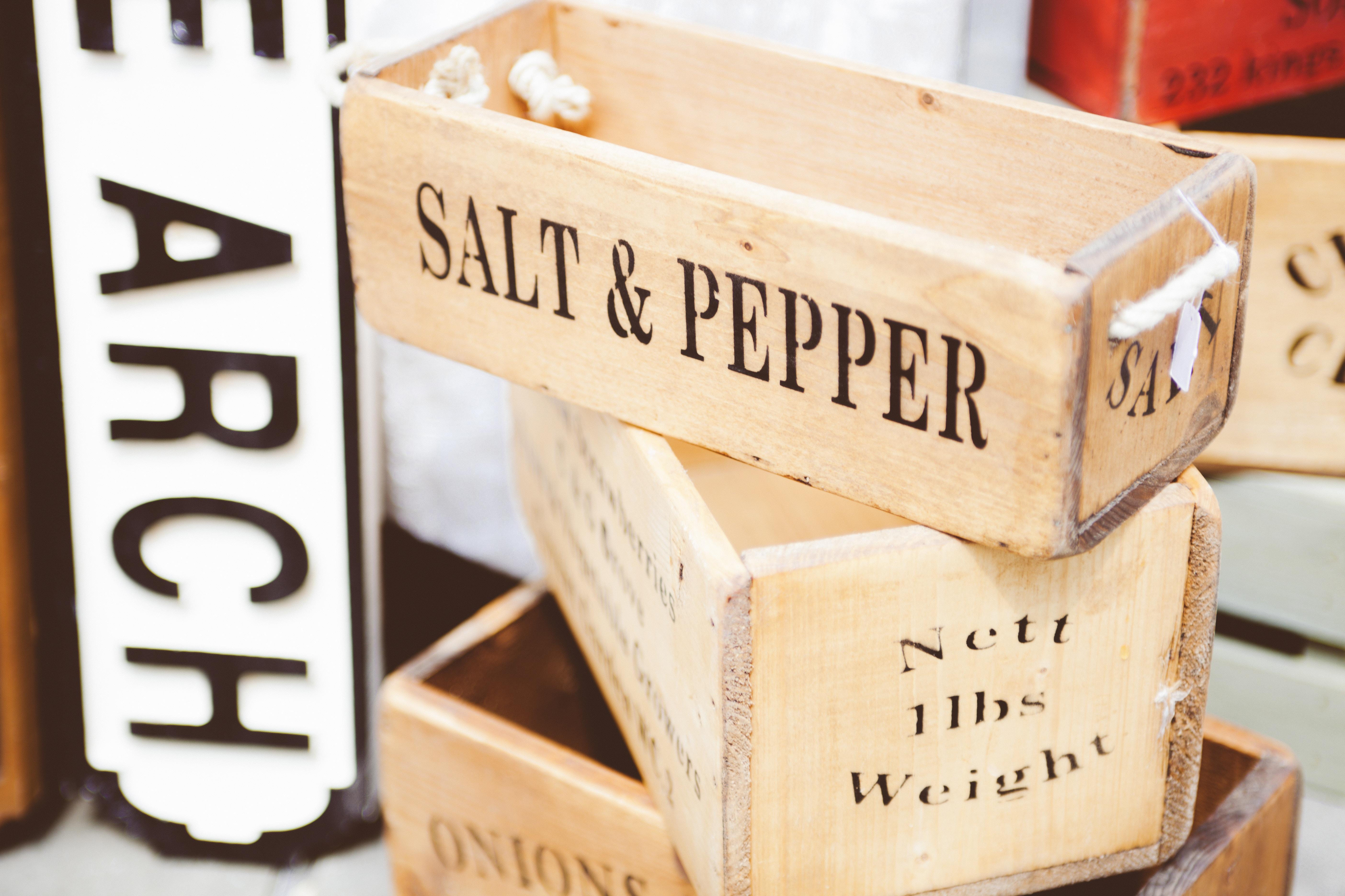 pojemniki na sól i pieprz